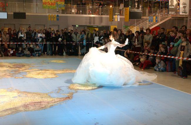 2003-2004 : L'invention du monde à Beaubourg
