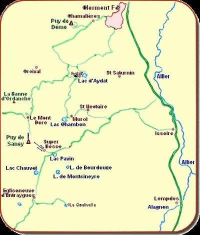 Localisation du lac Pavin au sein des principaux lacs et puys d'Auvergne.