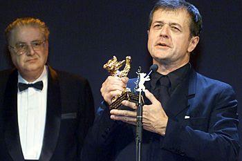 Février 2001, Patrice Chéreau reçoit l'ours d'or de Berlin pour son film « Intimité ».