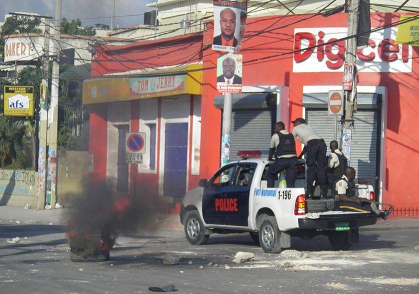 Emeutes à Port-au-Prince, Place du Champ de Mars, le 18 novembre 2010