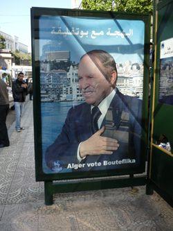 Affiche électorale à Alger