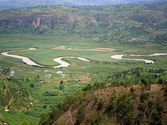 Point de vue sur la rivière Nyabarango, dans laquelle on jetait les corps