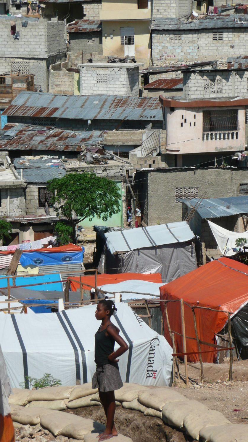 Jeune fille à Haïti