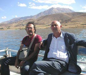 Au pied des monts Taurus, Hayati Basarslan et Jean Kehayan