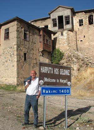 Jean de retour à Harput, le village de Setrak, son père