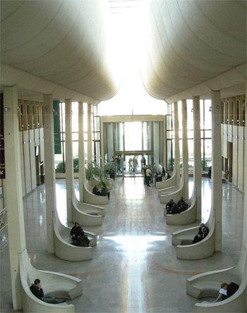 Palais de justice de Créteil, salle des pas perdus