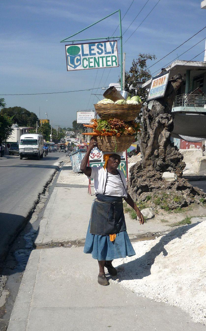 Femme à Port-au-Prince