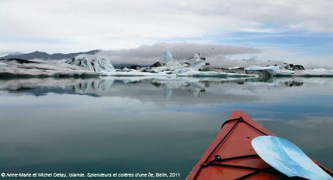 Kayak sur le lagon glaciaire du Jökulsarlon