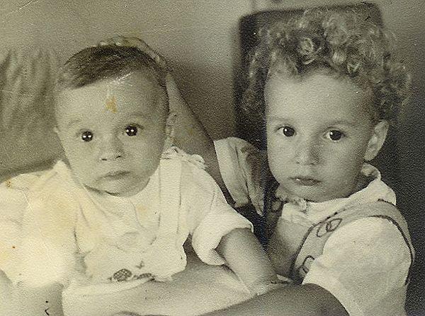 Avital Ronell (et son petit frère)