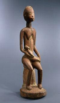 Maternité, 14e siècle, Dogon, Afrique, Bois sculpté / pigments.