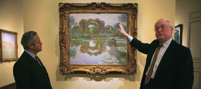 Guy Wildenstein devant une toile de Monet à New-York en 2007