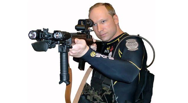 Anders Behring Breivik tel qu'il s'est mis en scène dans une vidéo qu'il a posté