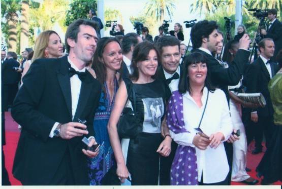 De g à d, Jérôme Chélius, Marion Glémet, Eva Bettan, Vincent Josse, Valérie Ayestaray, quelques membres de la rédaction de Franc