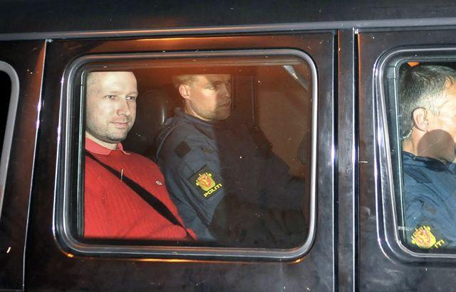 Anders Behring Breivik a son arrivée au Palais de Justice