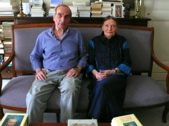 Charles Juliet et sa femme, première lectrice (critique) de tous ses écrits.