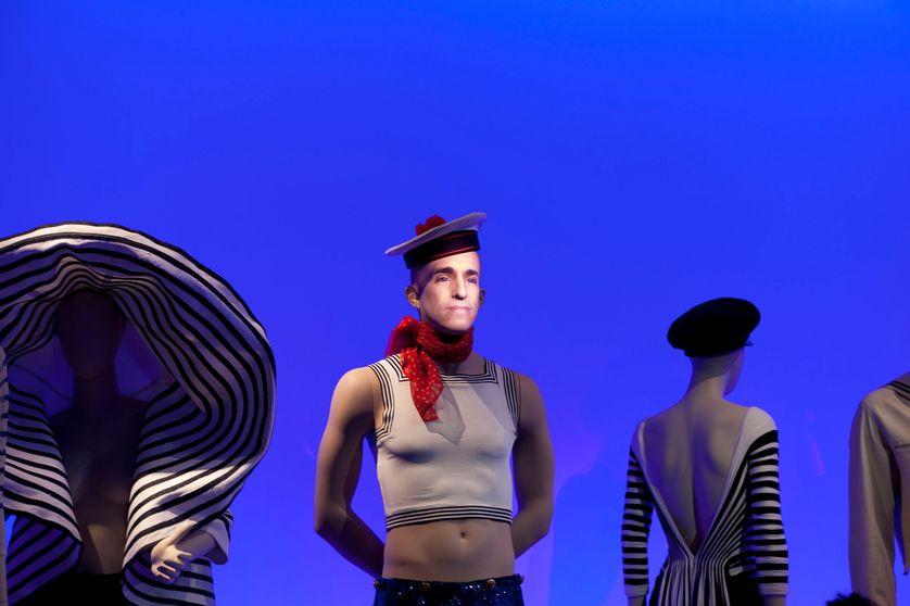 Exposition La planète mode de Jean-Paul Gauthier, actuellement à Montréal