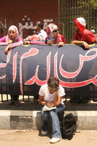 Claude Guibal sur la place Tahrir, 8 juillet 2011