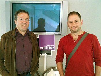 Martin Hirsch et à droite, Benjamin Barthe.