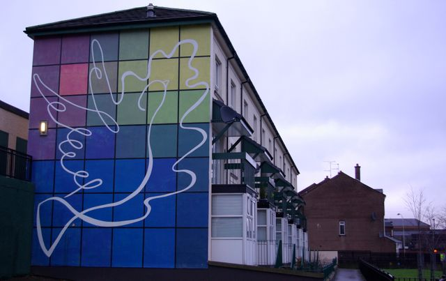 Republican peace mural, Rossville Street, Derry