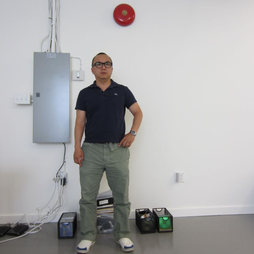 Ken Lum dans son atelier
