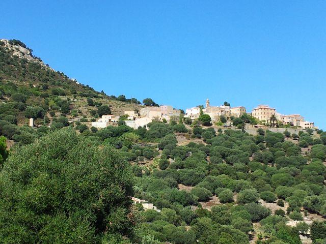 Un village balcon (Balagne, Haute-Corse)