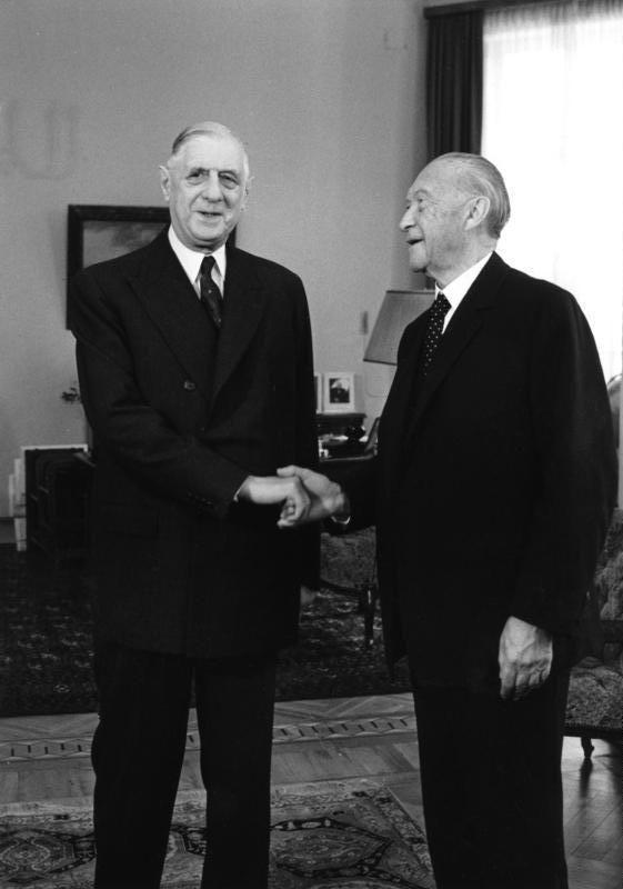 De Gaulle et Adenauer à Bonn en 1958