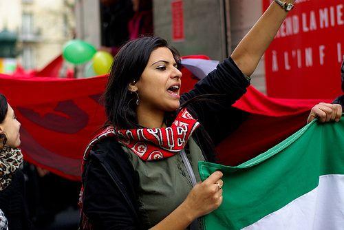 Femme tunisienne pendant la révolution de 2011