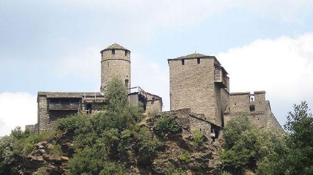 Le château de Calberte à Saint-Germain-de-Calberte en Lozère