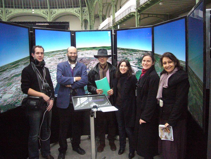 L'Equipe de Planète terre et nos invités sous la nef du Grand Palais