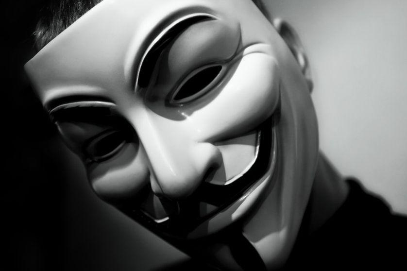 Le masque de Guy Fawkes, symbole des Anonymous
