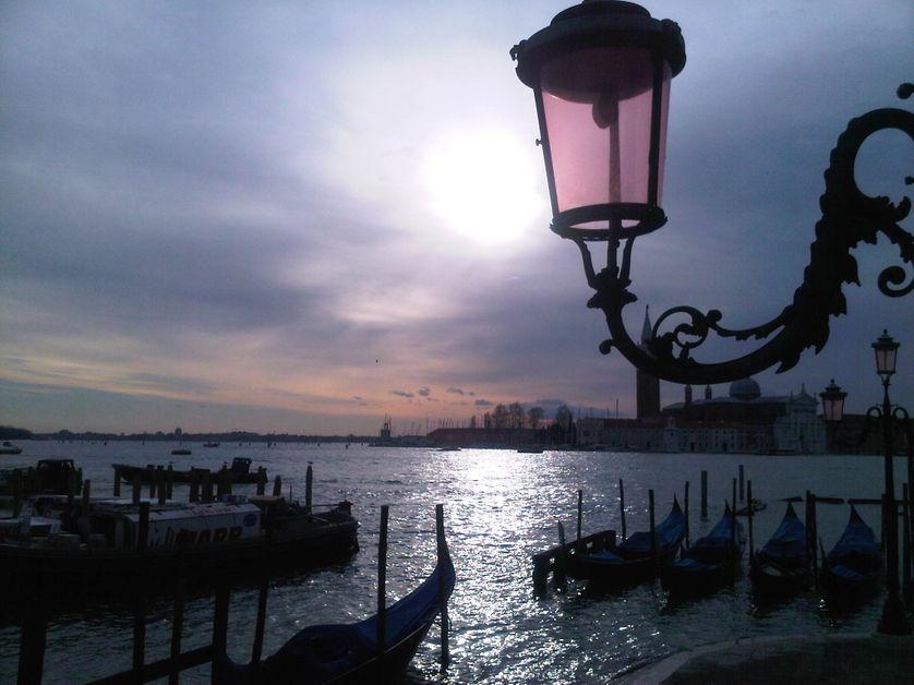 Venise, éclipse de soleil devant le Danieli