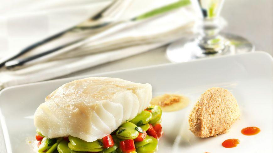 recette-5312-Dos de cabillaud pochés au lait, salade de févettes, poivron confit et lait torréfié