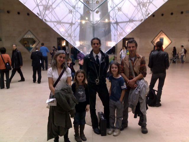Tom, Lilou, leurs parents et André Stern