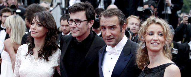 Bérénice Bejo, Michel Hazanavicius, Jean Dujardin et Alexandra Lamy montent les marches à Cannes photo IP3 Maxppp