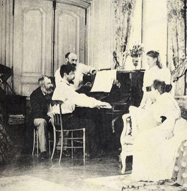 Debussy au piano en 1893