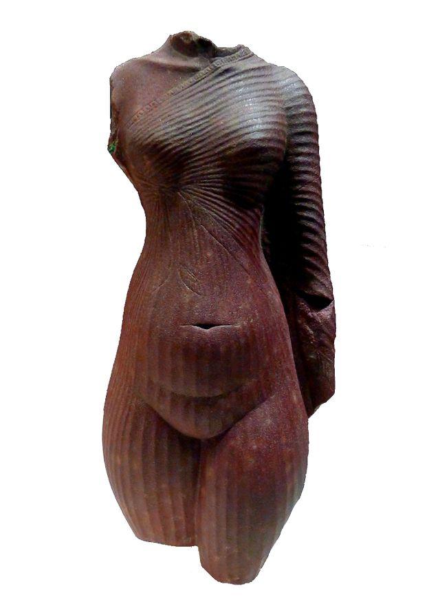 Louvre antiquité egyptiennes corps de femme