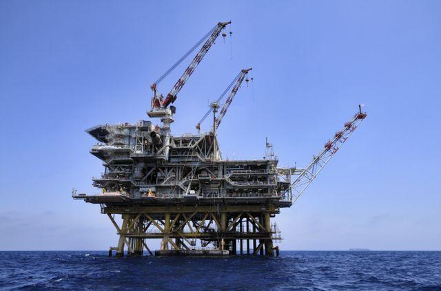 Plateforme pétrolière Total en Sicile
