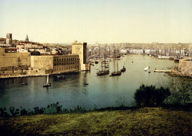 L'entrée du Vieux Port de Marseille vers 1900