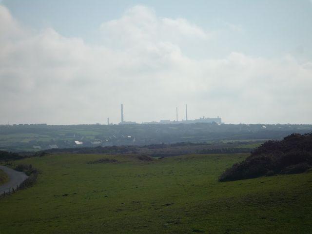 L'usine AREVA, ex-Cogema, usine de retraitement de déchets de la Hague