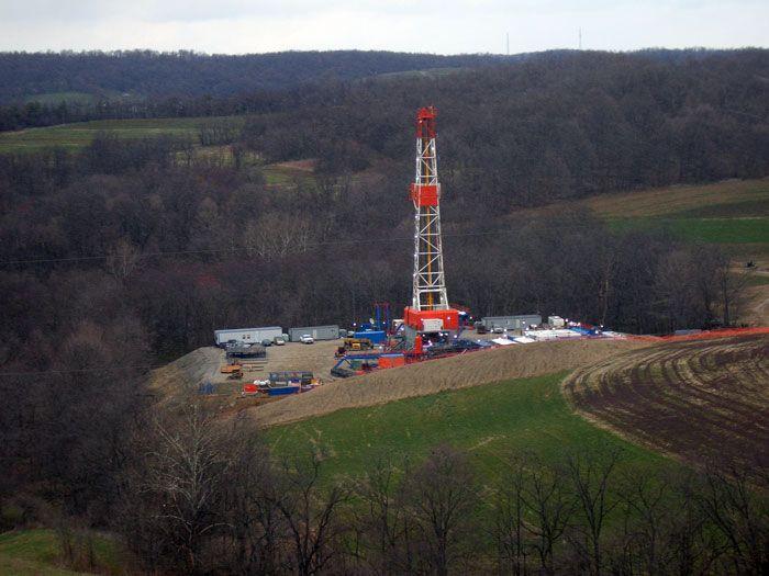 Une exploitation de gaz de schistes sur le gisement de Marcellus en Pensylvanie (USA)