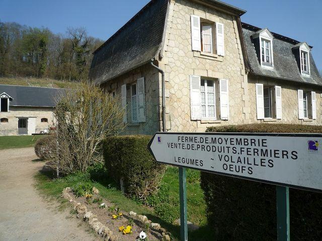La ferme de Moyembrie vend ses produits biologiques au marché et à deux AMAP à Montreuil près de Paris et au Plessis-Belleville
