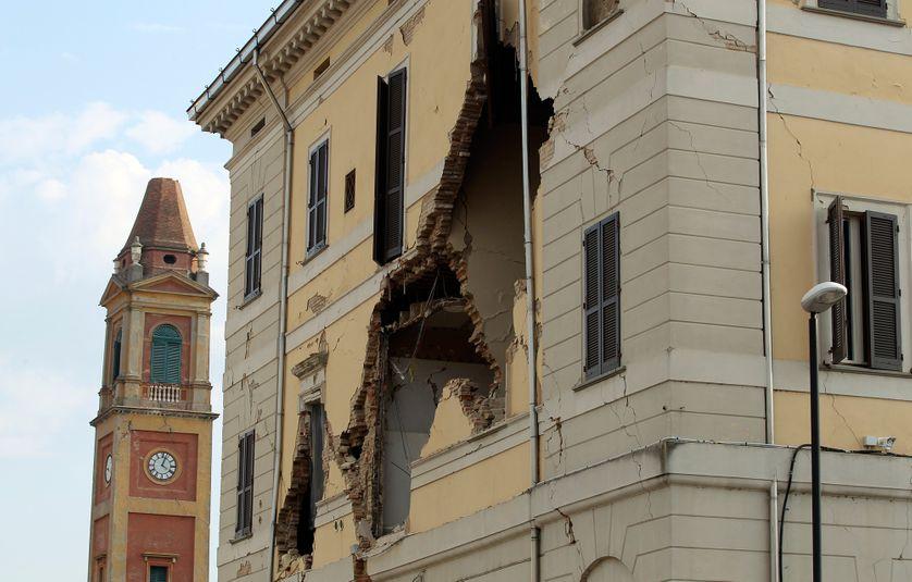 L'hôtel de ville de Sant'Agostino éventré