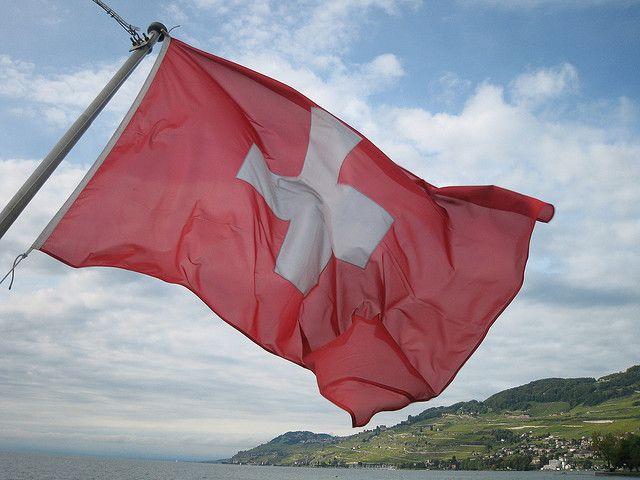 Drapeau Suisse sur le Lac Léman