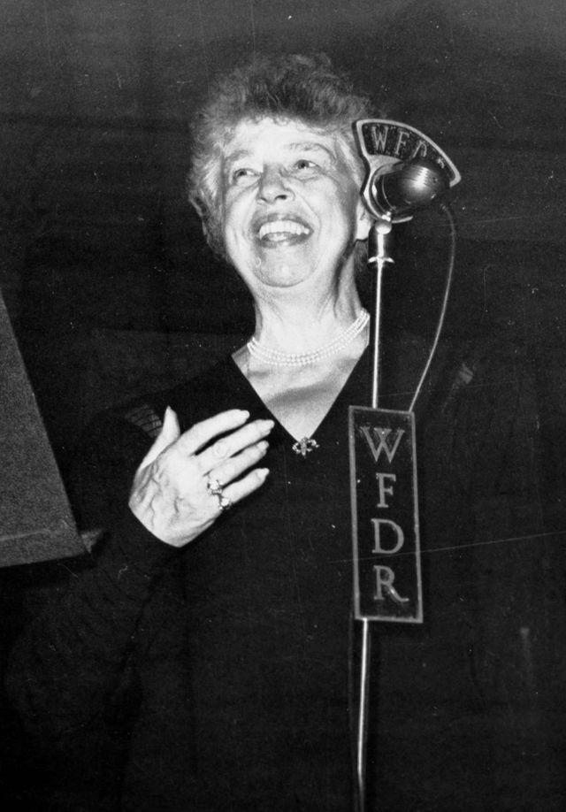 Eleanor Roosevelt au micro de la WFDR