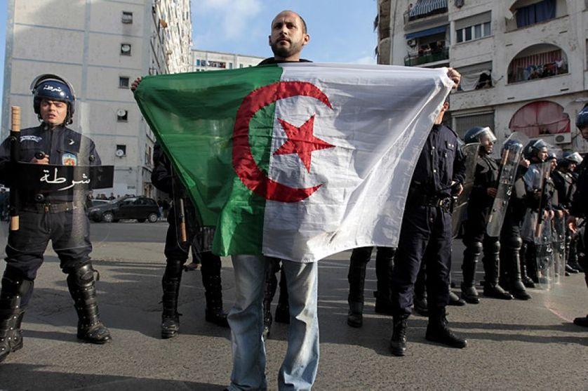 manifestant algérien