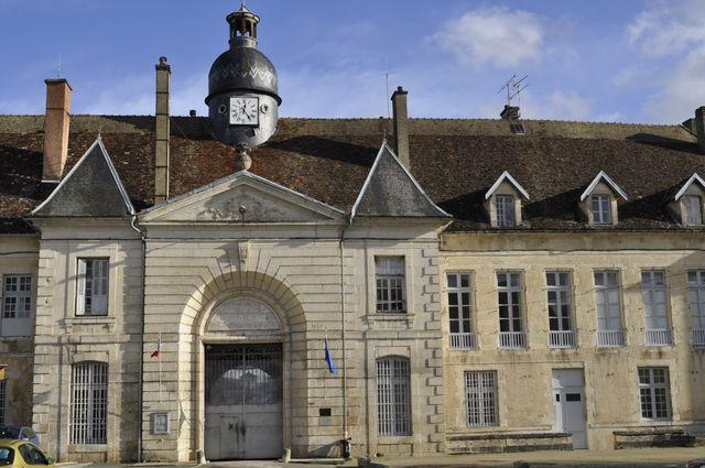 Porterie du palais abbatial. Entrée principale de l'établissement pénitentier de Clairvaux