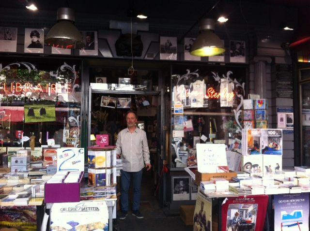 """Emmanuel Delhomme dans la librairie """"Livre Sterling"""""""