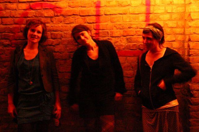 Klara, Gal et Michal à la soirée Meschugge de l'Eurovision, Berlin