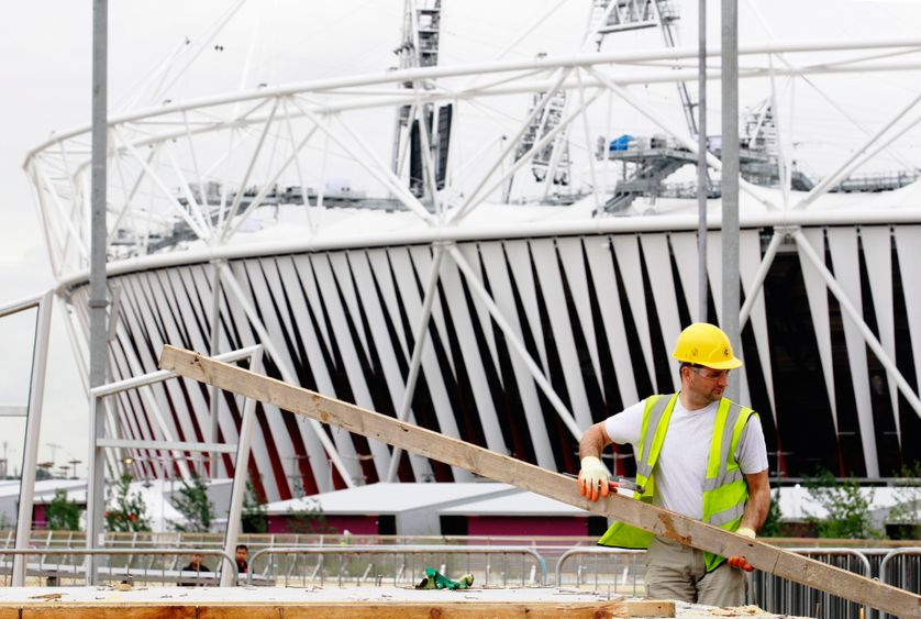 Travaux en cours le 17 juillet 2012 au parc olympique des JO de Londres