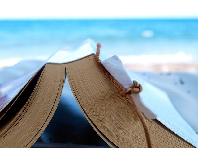 Pourquoi faut-il lire Proust à la plage ?